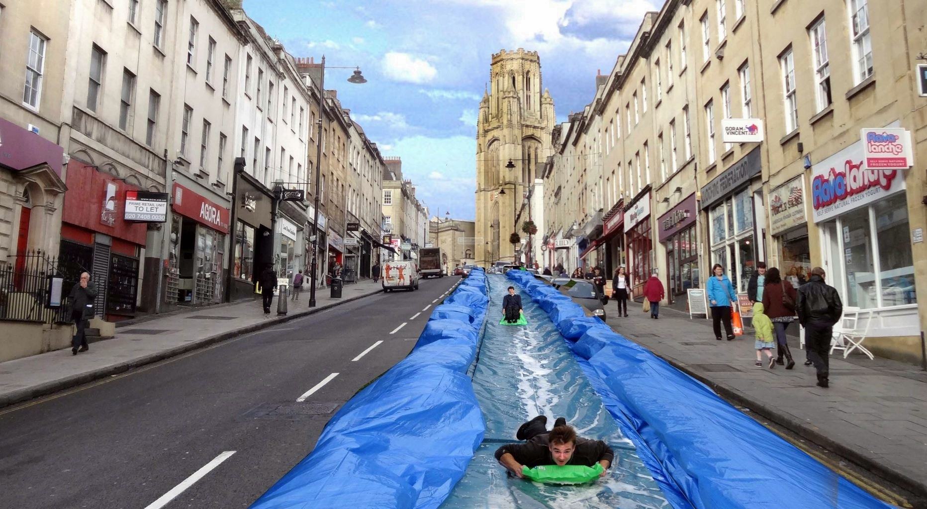 Park and Slide in Bristol. Image © Flickr CC User Paul Townsend