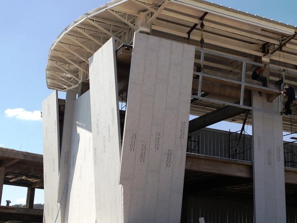 Materiales paneles prefabricados ecol gicos archdaily - Materiales de construccion para fachadas ...