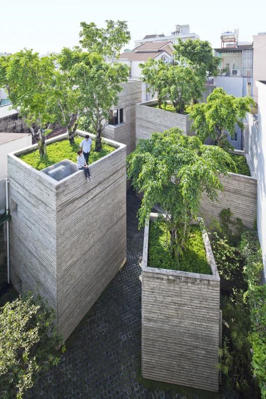 """Serie """"Arquitectura Rebelde"""" de Al Jazeera: Capítulo 4, """"Verde en la Ciudad"""", Casa de los Árboles / Vo Trong Nghia Architects"""
