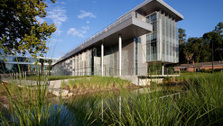 University of Florida Clinical Translational Research Building  / Perkins+Will