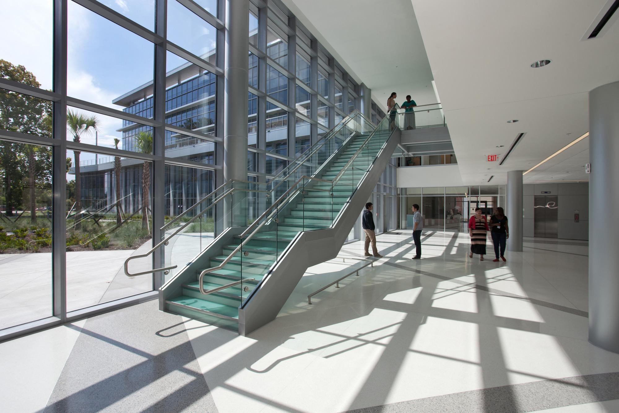 Carbon dating facilities at university of florida