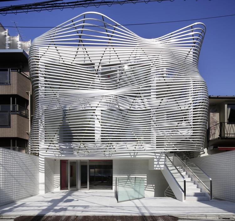 Edificio Dear Jingumae / amano design office, © Nacasa & Partners Inc.