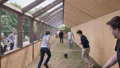 Campo de juego de fútbol / Guinée et Potin Architects