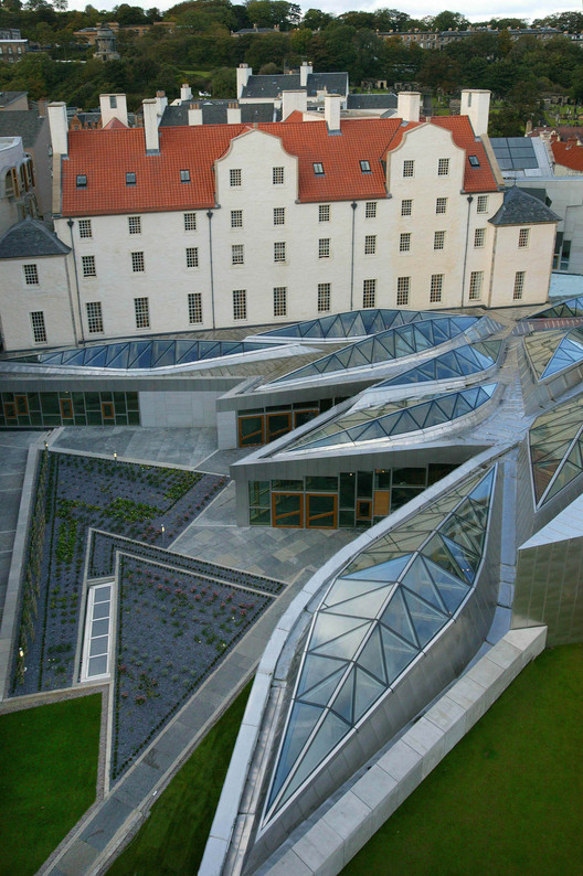 AD Classics: Scottish Parliament Building / Enric Miralles , Skylights of the Garden Lobby. Image © Scottish Parliamentary Corporate Body - 2012