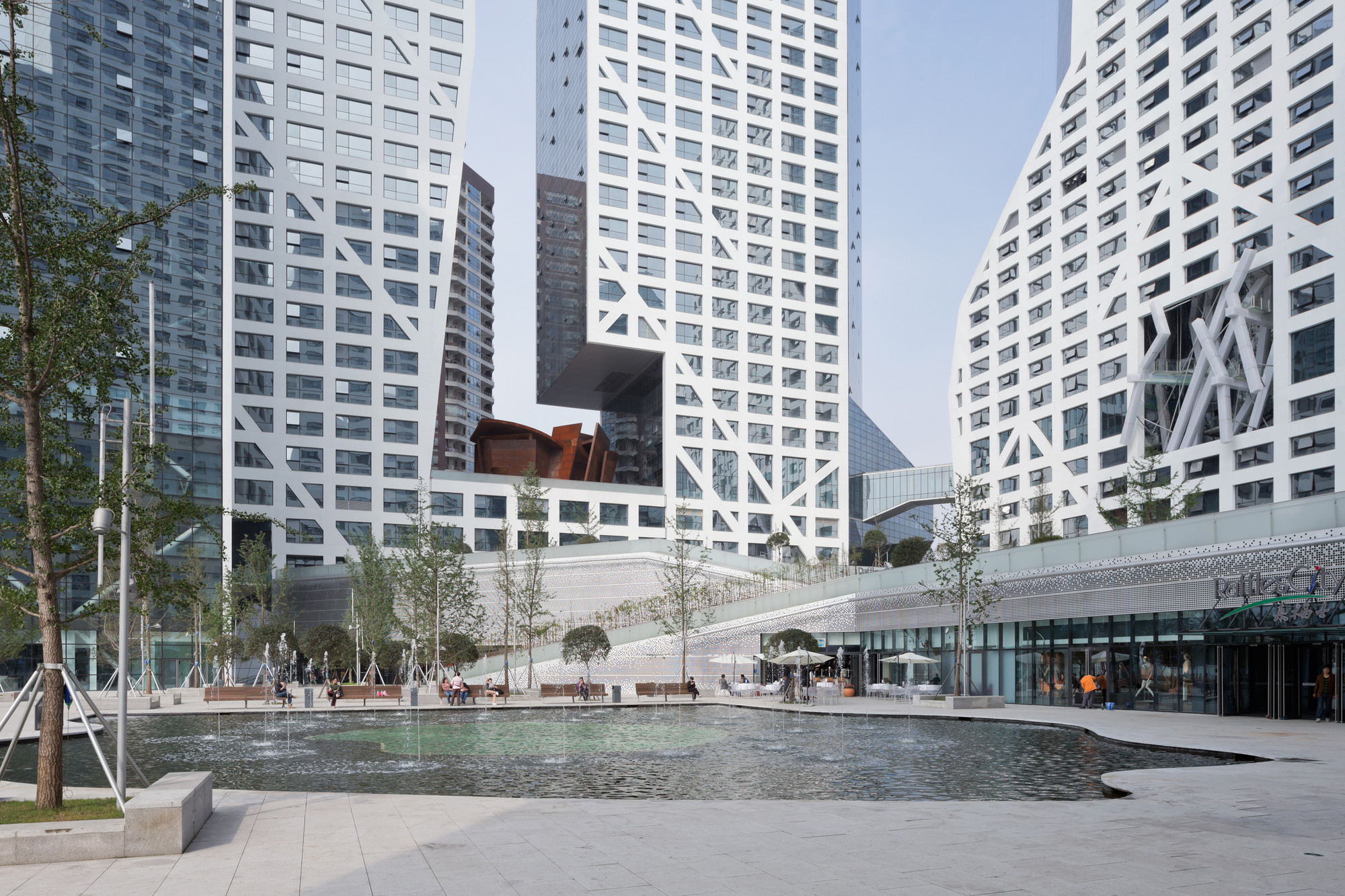Sliced Porosity Block, Chengdu / Steven Holl Architects (Nueva York). Imágen © Iwan Baan