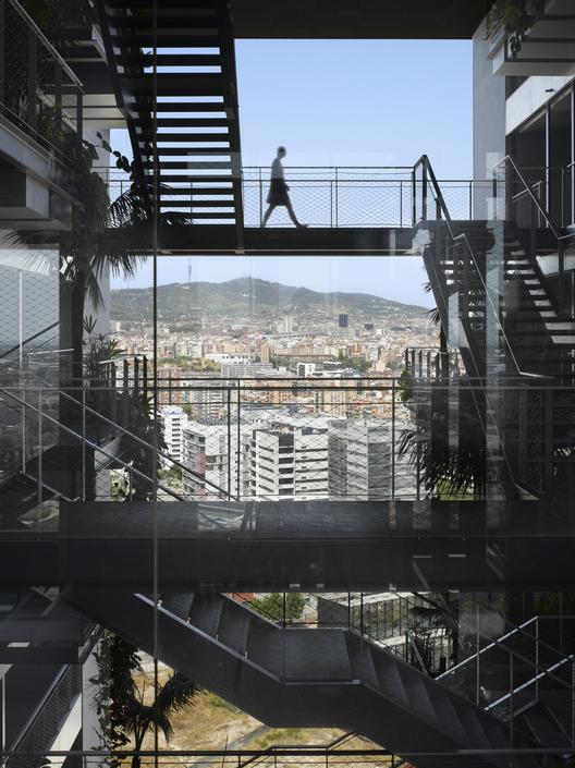 Renaissance Barcelona Fira Hotel, Barcelona / Ateliers Jean Nouvel. Imágen © Roland Halbe