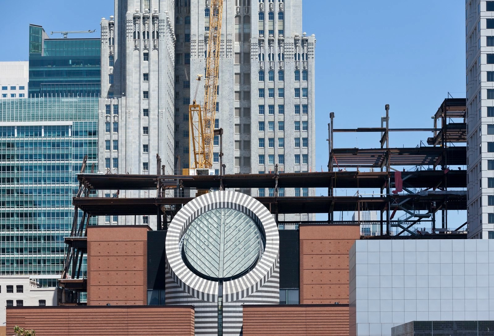 SFMOMA Tops Out, © Henrik Kam