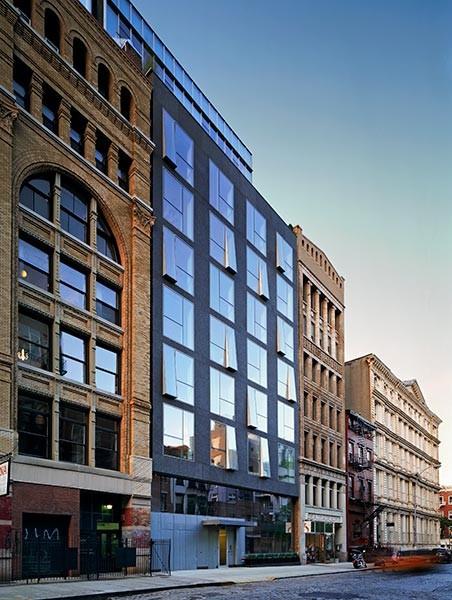 Deborah Berke Tapped to Design Cummins' Indianapolis Headquarters , Berke-designed 48 Bond Street in Manhattan. Image © Deborah Berke Partners