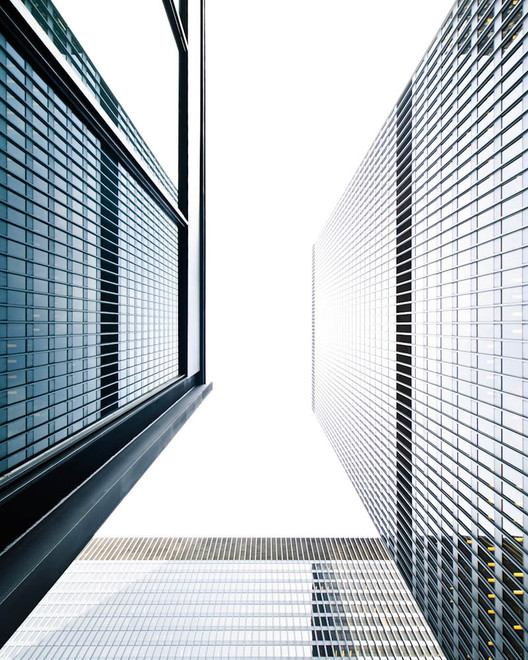 The Slow Death of the Corporate Architecture of Exclusion, Though still admired, Mies van der Rohe's signature office buildings are clear symbols of the 'Mad-Men' era. Image © Samuel Ludwig