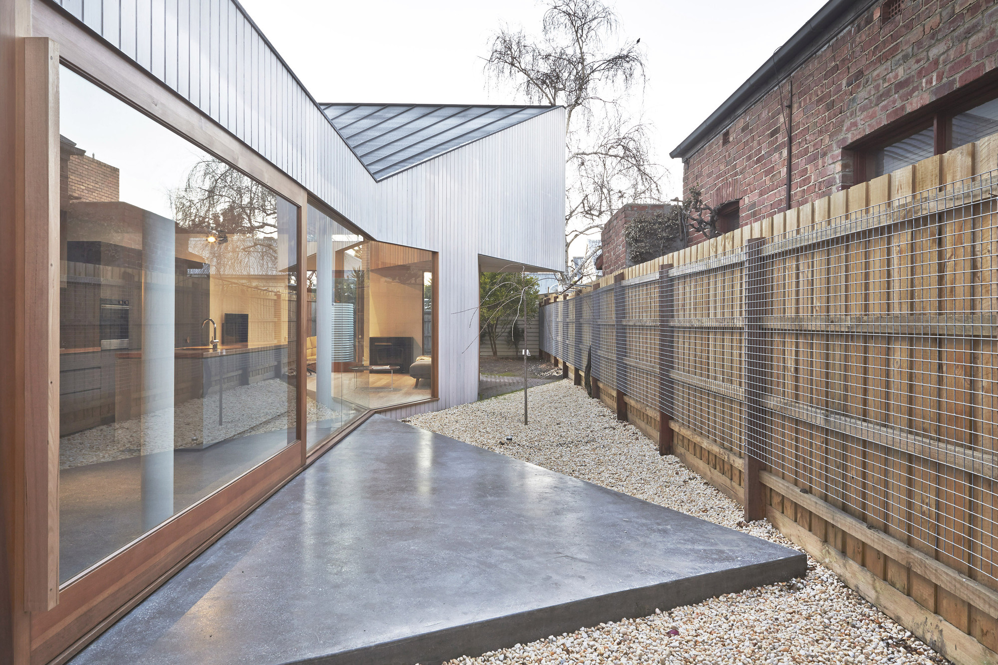Bow House / Edwards Moore, © Fraser Marsden