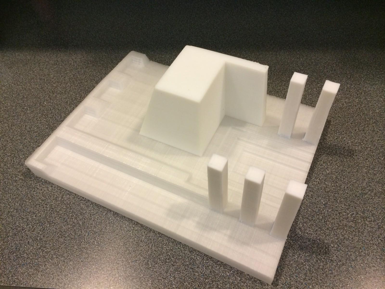 Aunque aún no se utilizaron en el proyecto, la impresión de los moldes continua con la intención de imprimir la placa entera del molde, lo que reducirá dramáticamente el costo de manufactura del molde en el campus. Imagen © Mesick Cohen Wilson Baker Architects (MCWB)