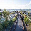 Tercera etapa: vista hacia el oeste a lo largo de uno de los paseos en las vías férreas.. Image © Iwan Baan, 2014