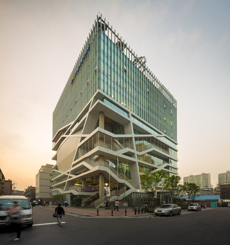 Centro Cultural y de Bienestar Seongdong / UnSangDong Architects, © Fernando Guerra | FG+SG