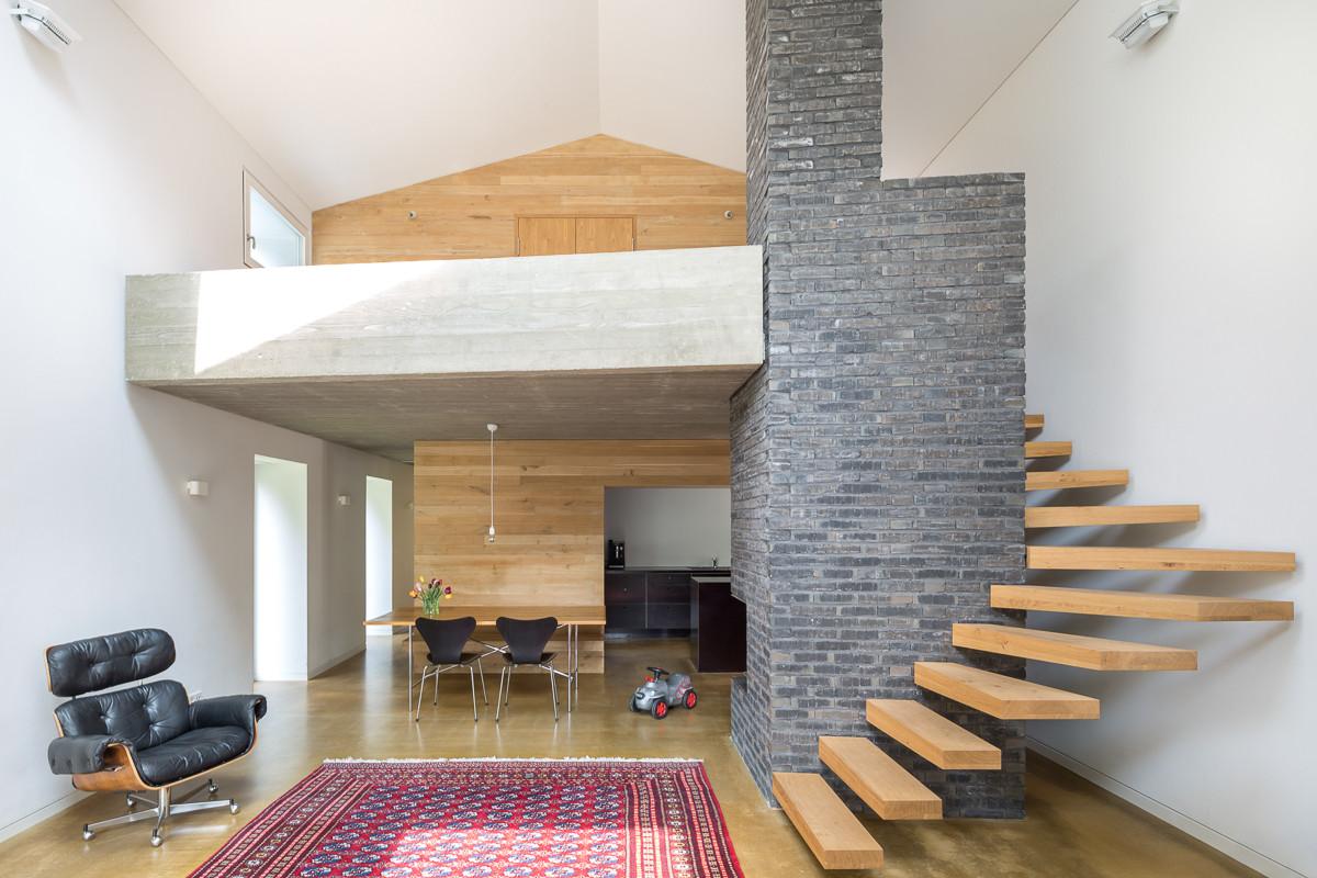 Black forest stocker dewes architekten archdaily - Interiores casas modernas ...