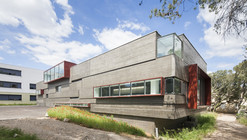 Extension and Restructuration Of Castries' Middle School / MDR Architectes