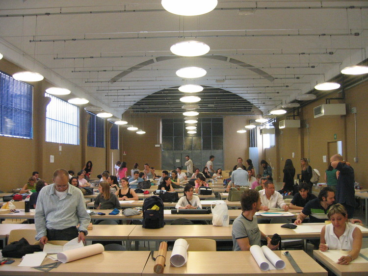 Examen final en Italia. Image ©  m. aquila [Flickr]