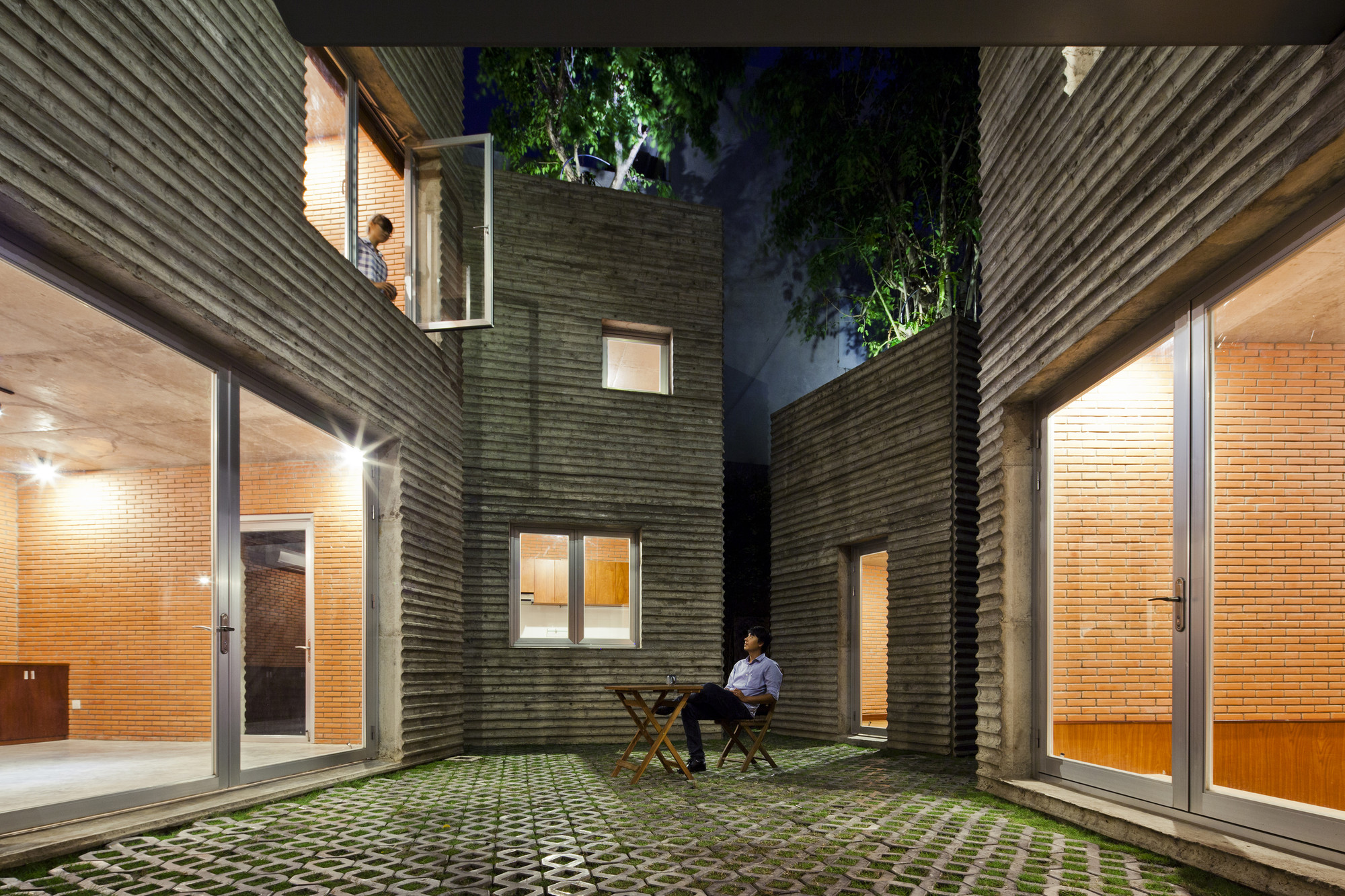 House for Trees / Vo Trong Nghia Architects. Imagen cortesía de WAF
