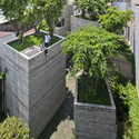 House for Trees / Vo Trong Nghia Architects . Image Courtesy of WAF