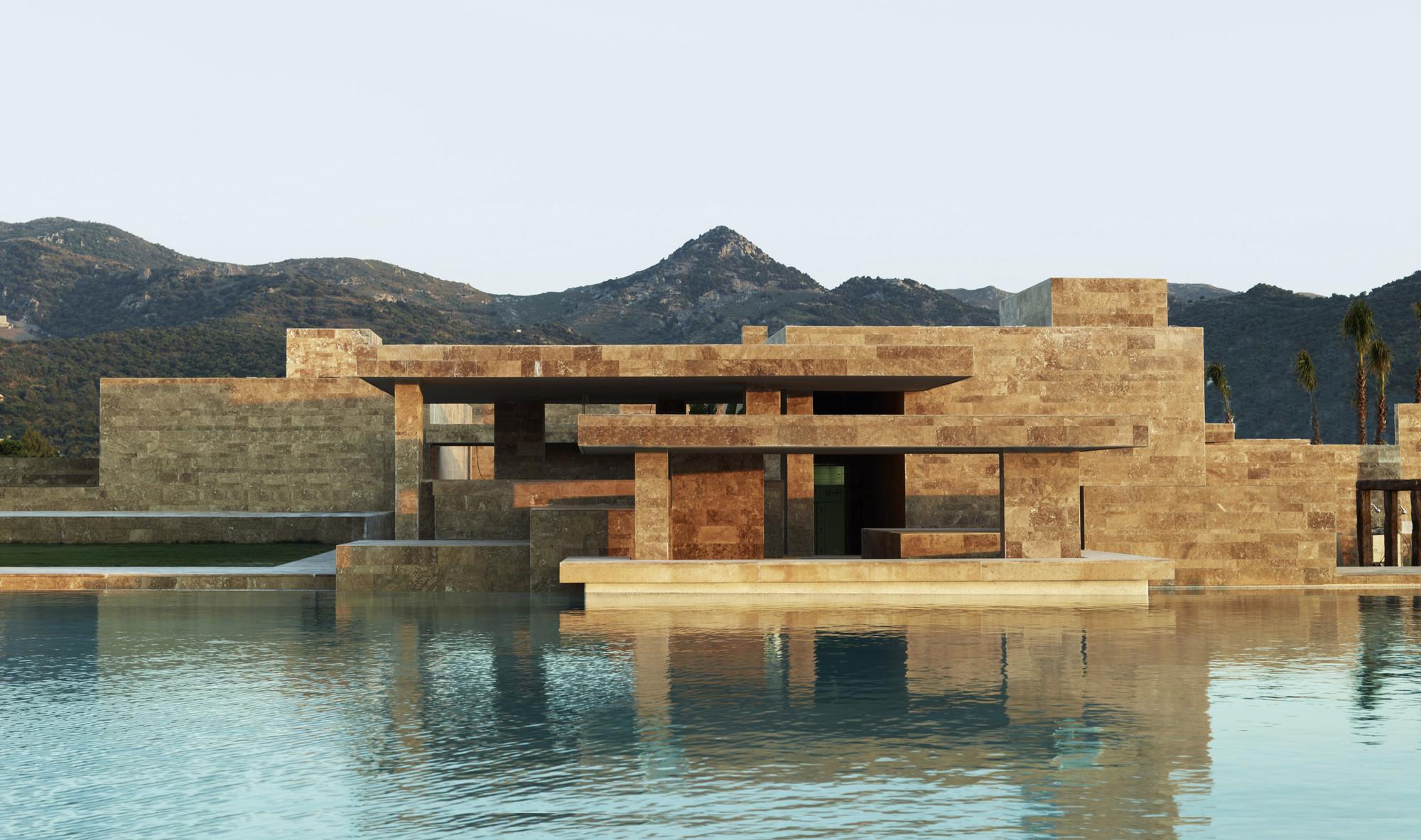 Yalikavak Marina Complex / EAA-Emre Arolat Architects. Imagen cortesía de WAF