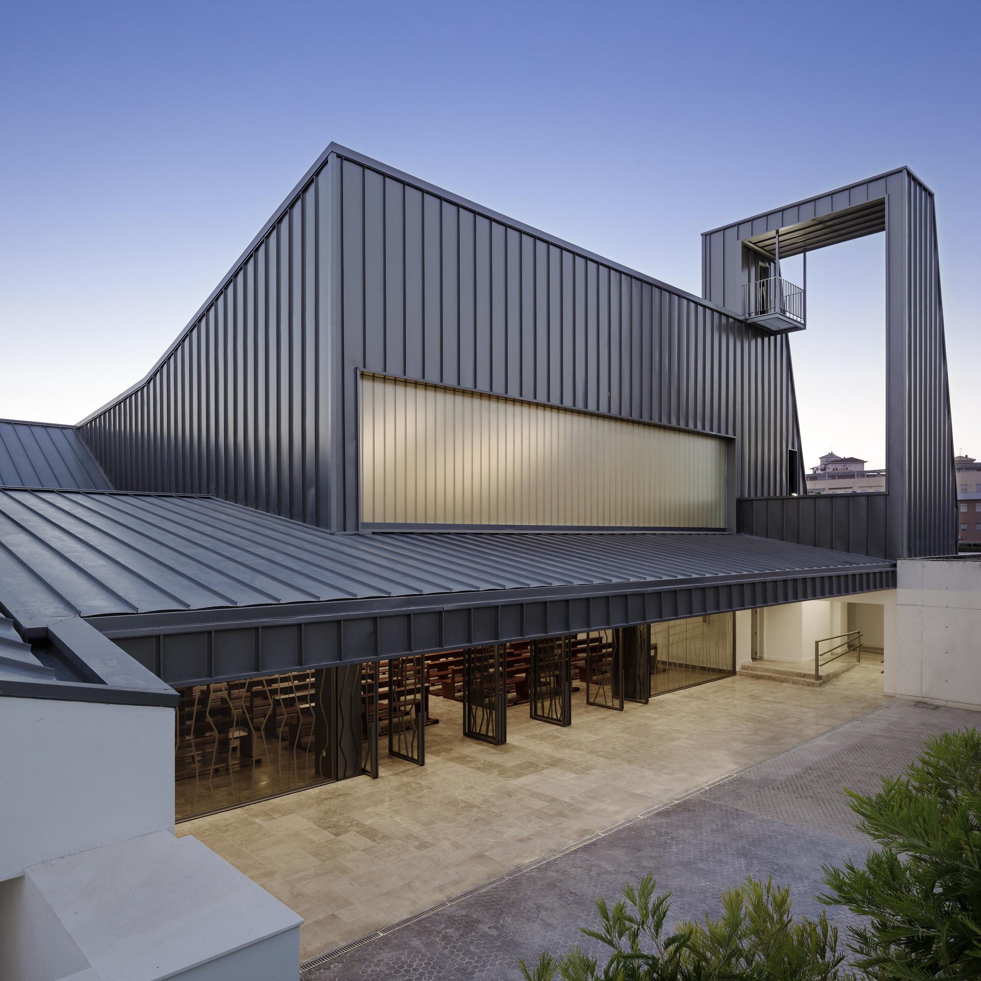 Iglesia la Ascensión del Señor/ AGi architects. Imagen cortesía de WAF
