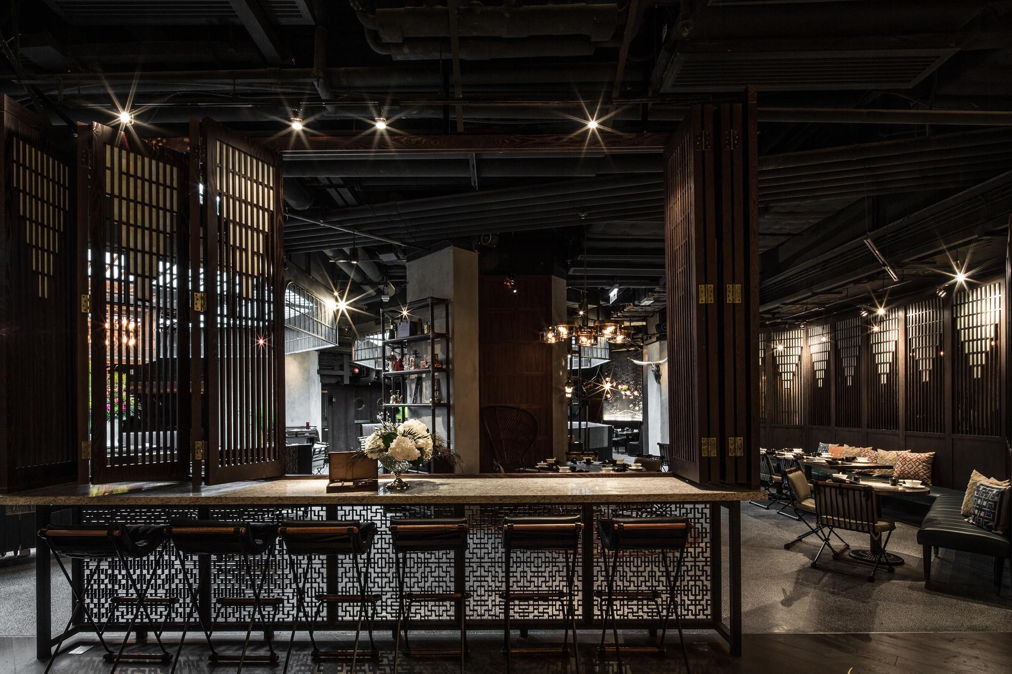LO MEJOR en bares & restaurantes: MOTT32; Hong Kong / JOYCE WANG STUDIO. Imágen cortesía de INSIDE