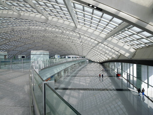 Foster + Partners completed Terminal 3 at Beijing Capital International Airport in 2008. Image © Nigel Young / Foster + Partners
