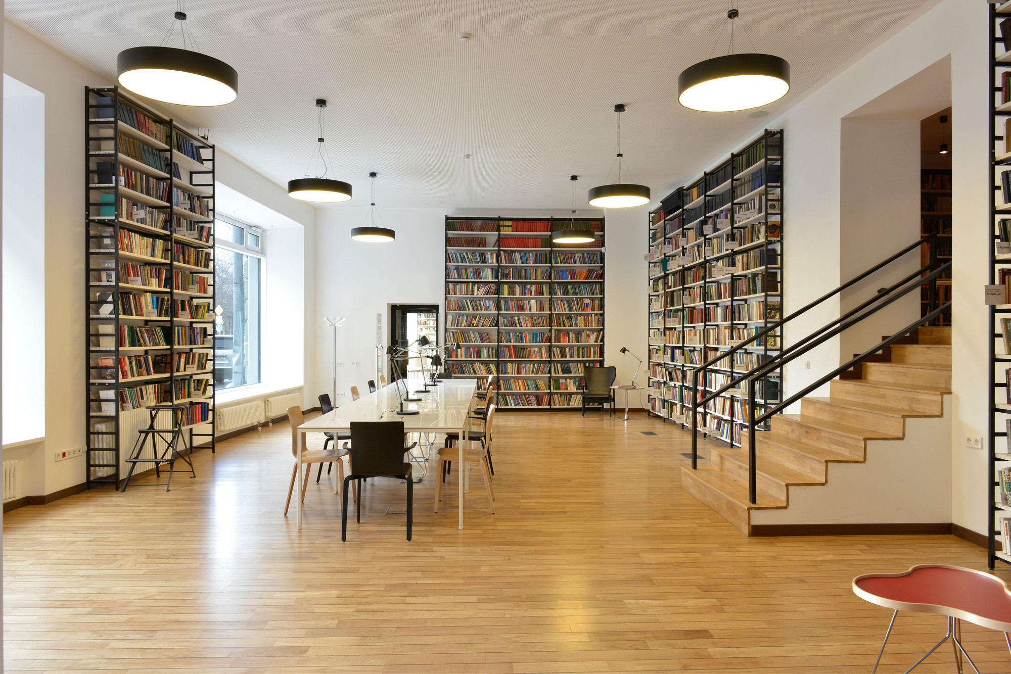Gallery of reimagining 448 local libraries in moscow one for Local interior decorators
