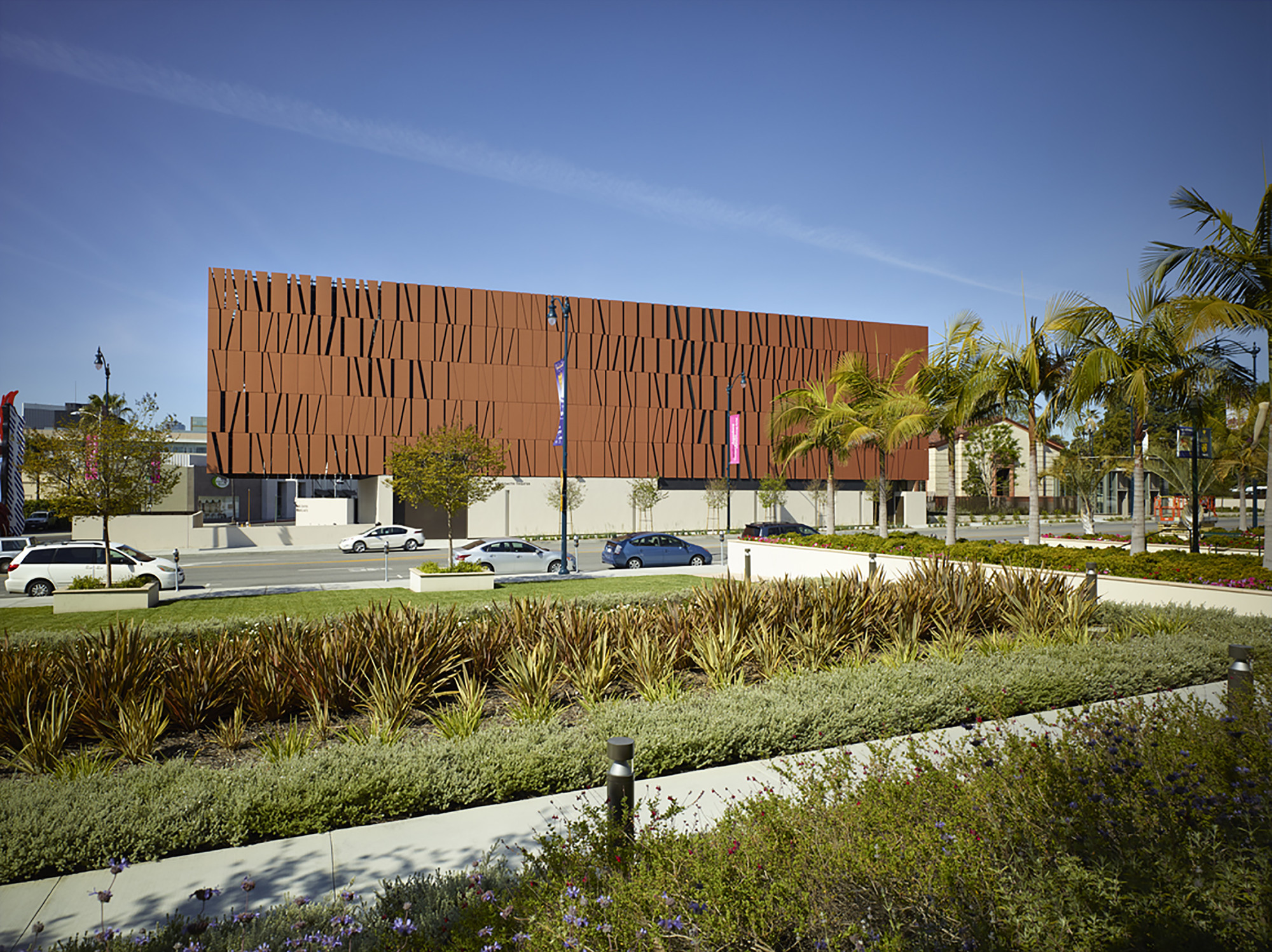 The Wallis Annenberg Center for the Performing Arts / Studio Pali Fekete architects, © John Edward Linden Photography
