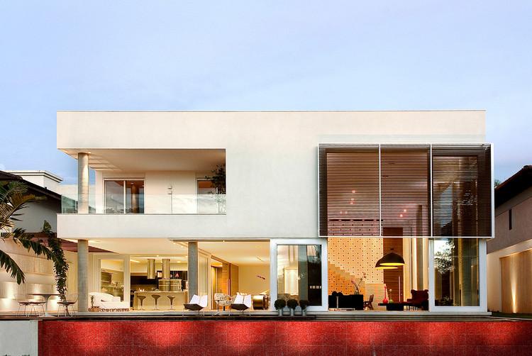 Casa Capital / Architecture Ney Lima, © Clausem Boniface