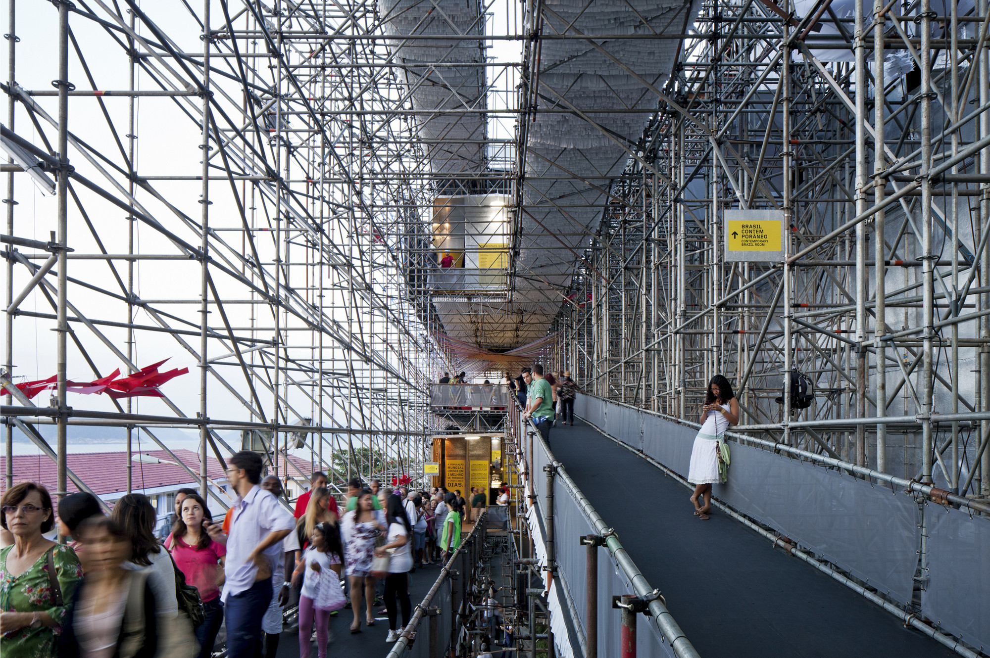 #100DesignLatinAmerica: ecología y diseño en Latinoamérica, Carla Juaçaba + Bia Lessa: Pavilhão Humanidade 2012 . Image Cortesia de Felipe Vera
