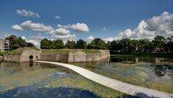 Paisaje y Arquitectura: puente peatonal Ravelijn, un nuevo conector entre la ciudad e isla-fortaleza