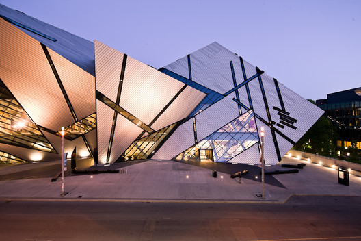 The Crystal, extension to the Royal Ontario Museum by Studio Daniel Libeskind. Image © Andrew Rowat