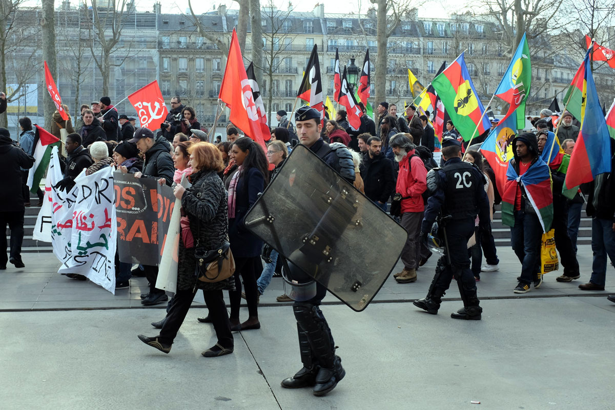 The architects cleared the main space of the park to accommodate protests. Image © F. Pénilleault