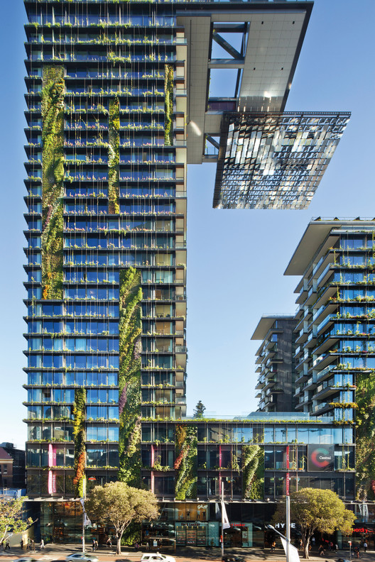 The Overall Winner: One Central Park; Sydney, Australia / Ateliers Jean Nouvel and PTW Architects