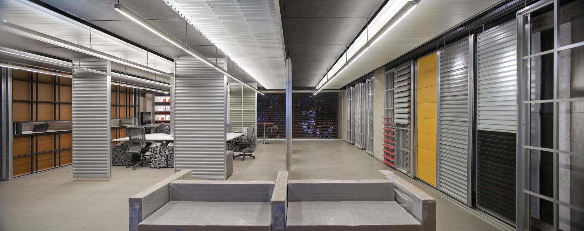 Showroom hunter douglas serrano monjaraz arquitectos for Decoracion contemporanea interiores