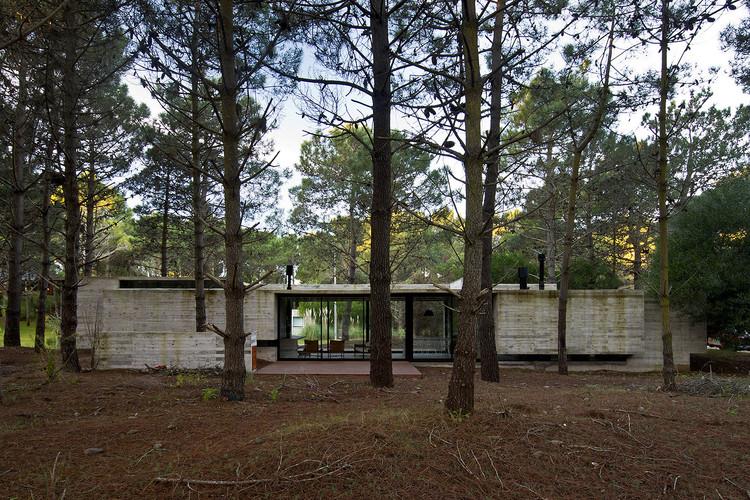 Casa SV / Luciano Kruk Arquitectos, © Daniela Mac Adden