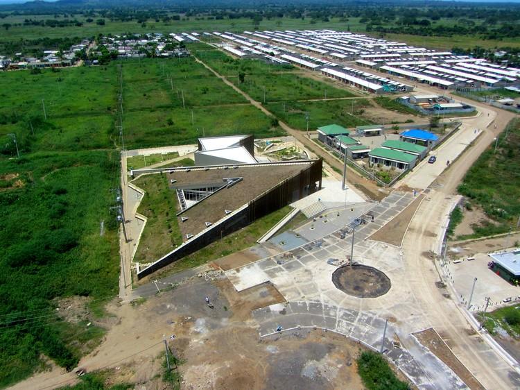 Biblioparque David Sanchez Juliao / +A662 Arquitectos, © Aerial Shots