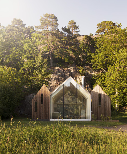 Micro Cluster Cabins / Reiulf  Ramstad Arkitekter, © Lars Petter Pettersen