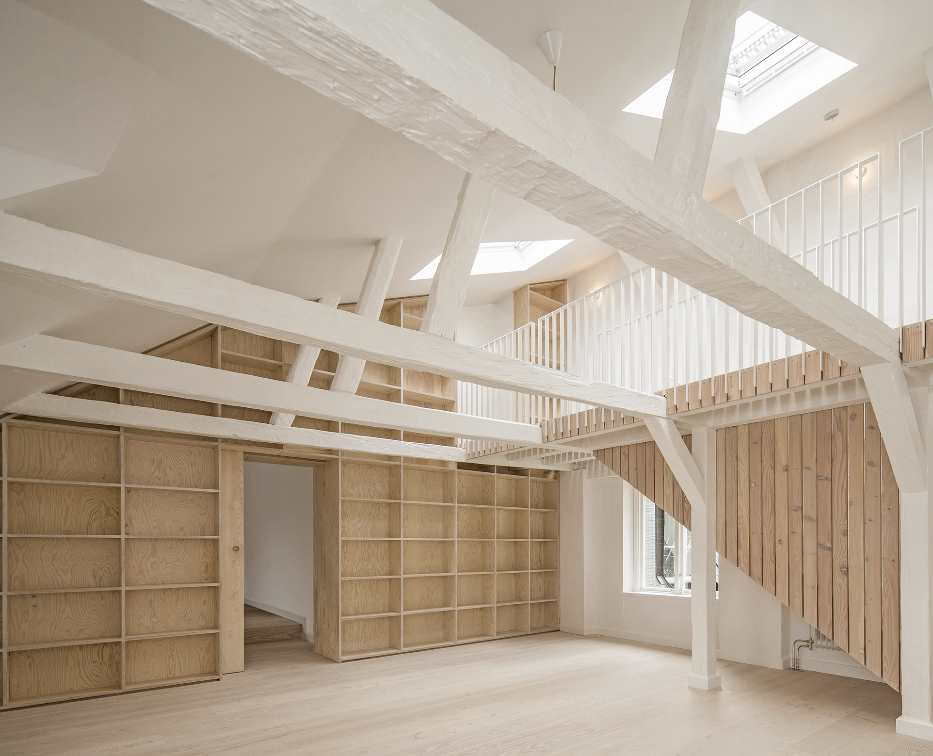 Renovation of  Apartments in 1720s  House / Studiomama, © Gustav Kaiser