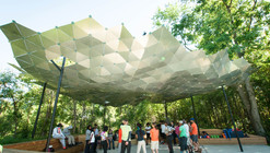 Tulane Students Upcycle Traffic Signs into Shade Canopy