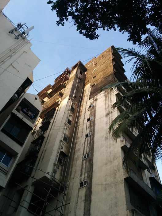 Edificio Residencial Mangal Kunj, Bandra (W) - Mumbai, India. Imagen © Laura Amaya