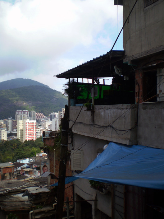 Casa de Gilson Fumaça, Favela Santa Marta - Rio de Janeiro, Brasil. Imagen © Laura Amaya