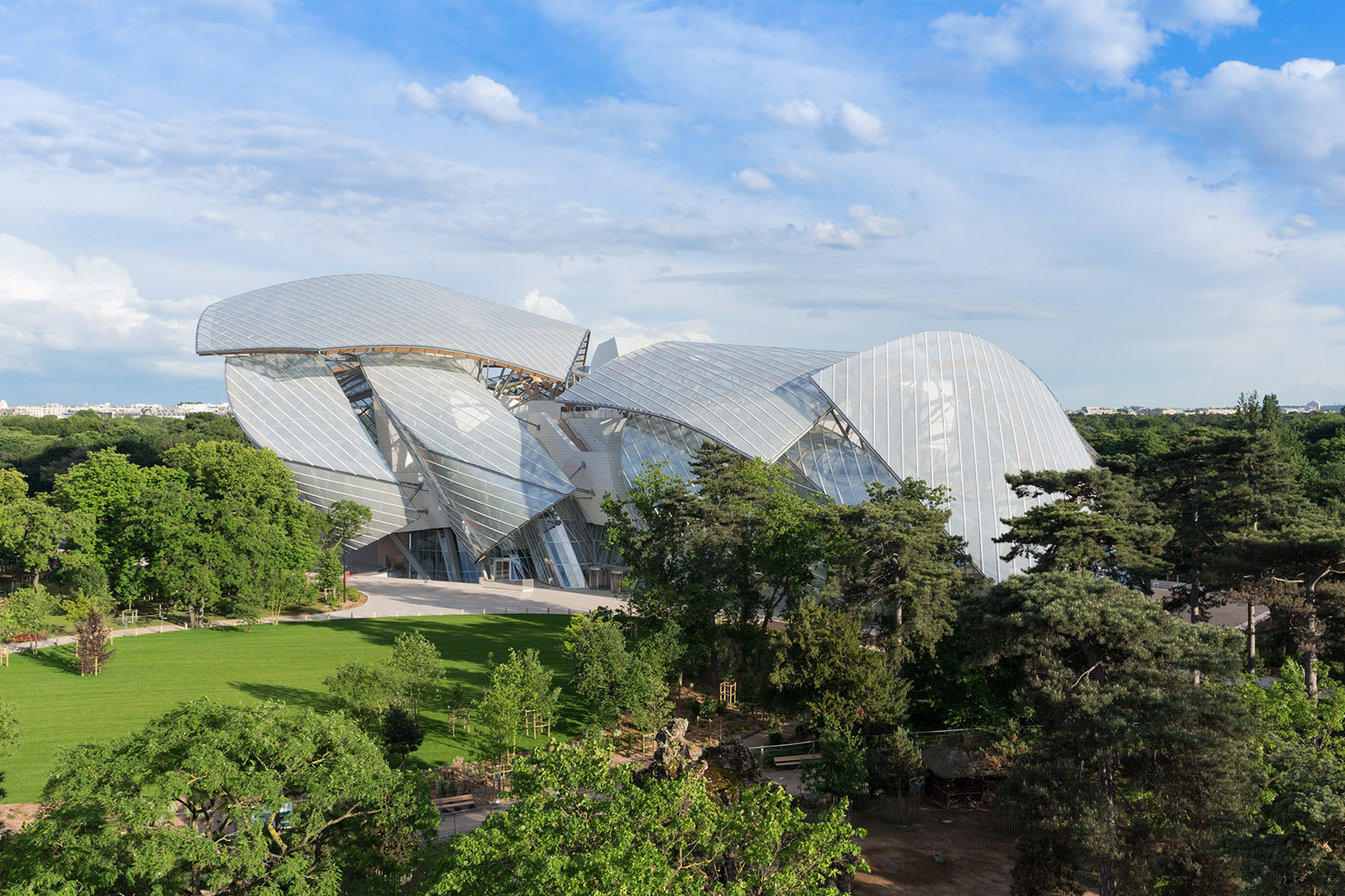 Fondation Louis Vuitton, Paris. Image © Iwan Baan