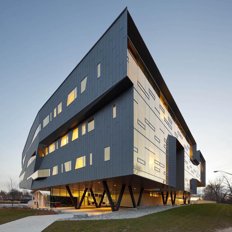 Centro Stephen Hawking en el Instituto Perimeter de Física Teórica / Teeple Architects, © Tom Arban