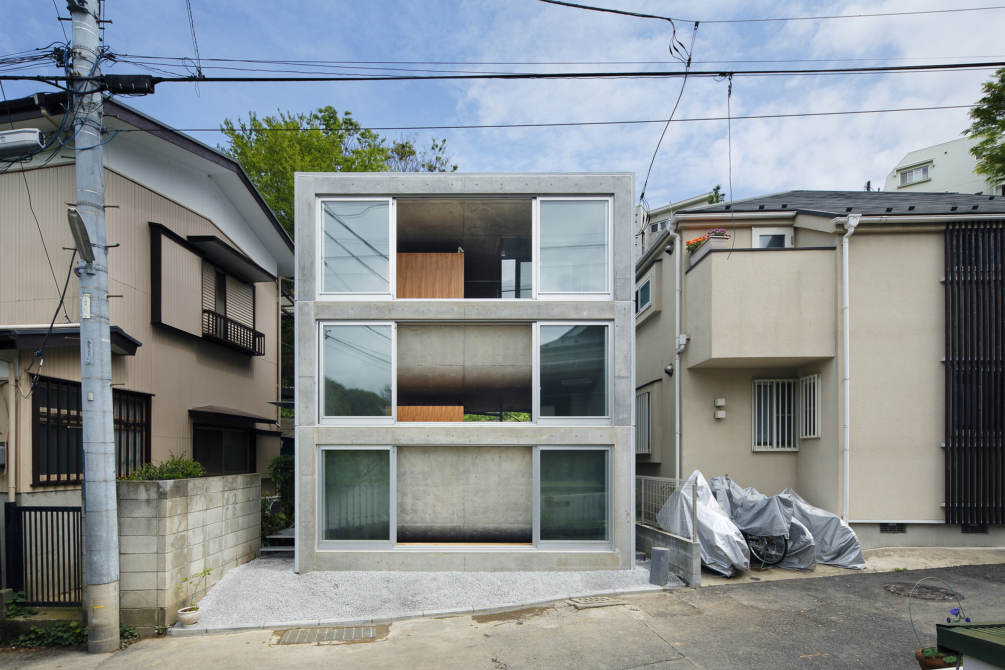 Gallery of house in byoubugaura takeshi hosaka 5 for Architecture japonaise moderne