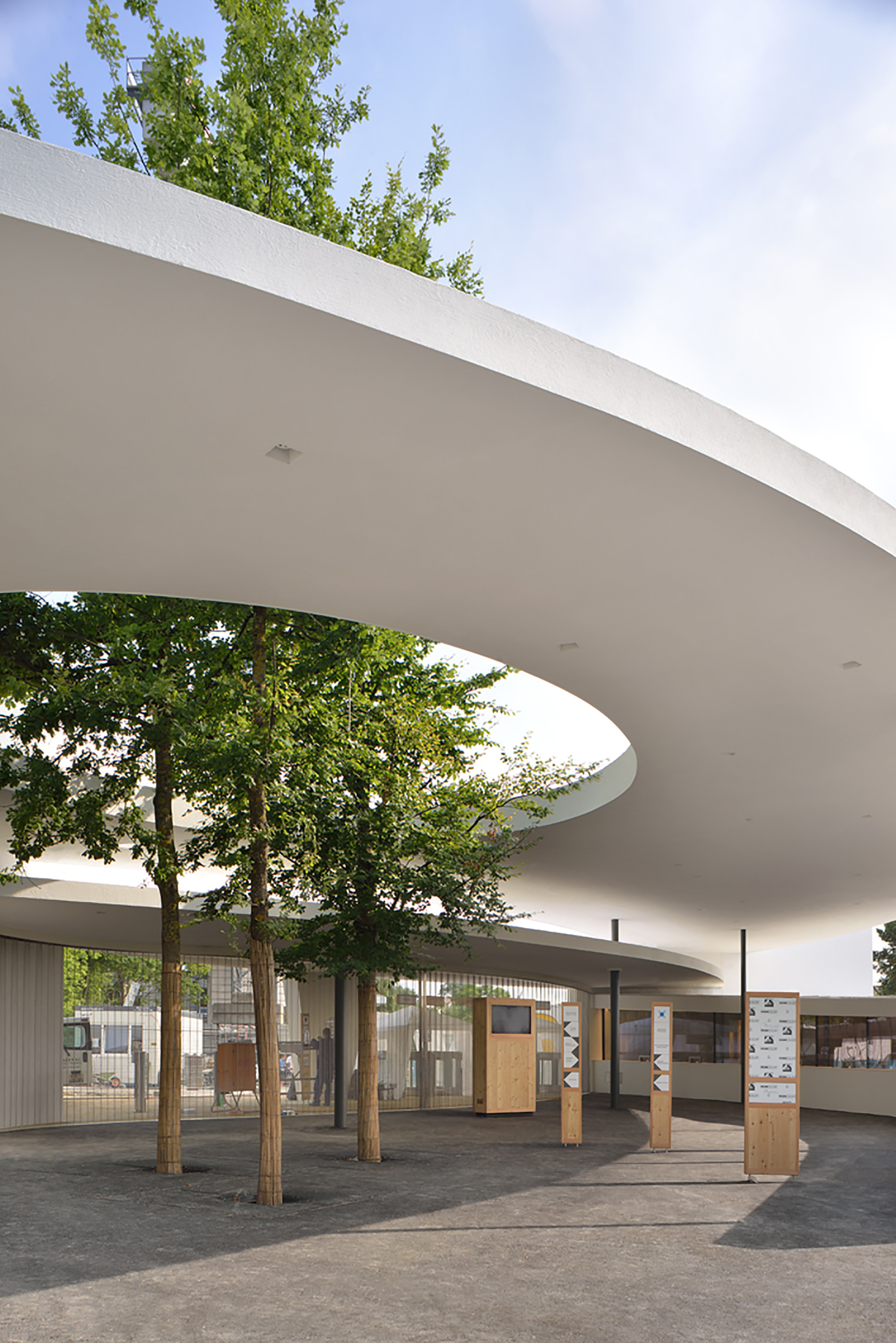 Gallery of zurich zoo foyer renovation extension l3p for Architecture zurich
