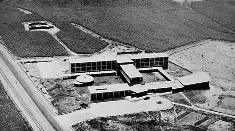 Cortesía de revista El Arquitecto Peruano (Enero - Febrero 1955)