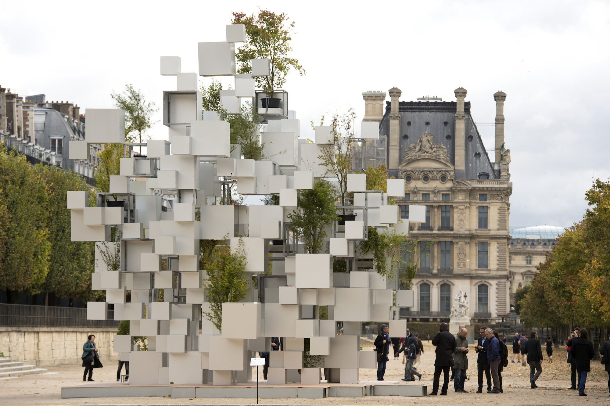 Sou Fujimoto Constructs Inhabitable Nomadic Structure for Parisian Art Fair, © Marc Domage