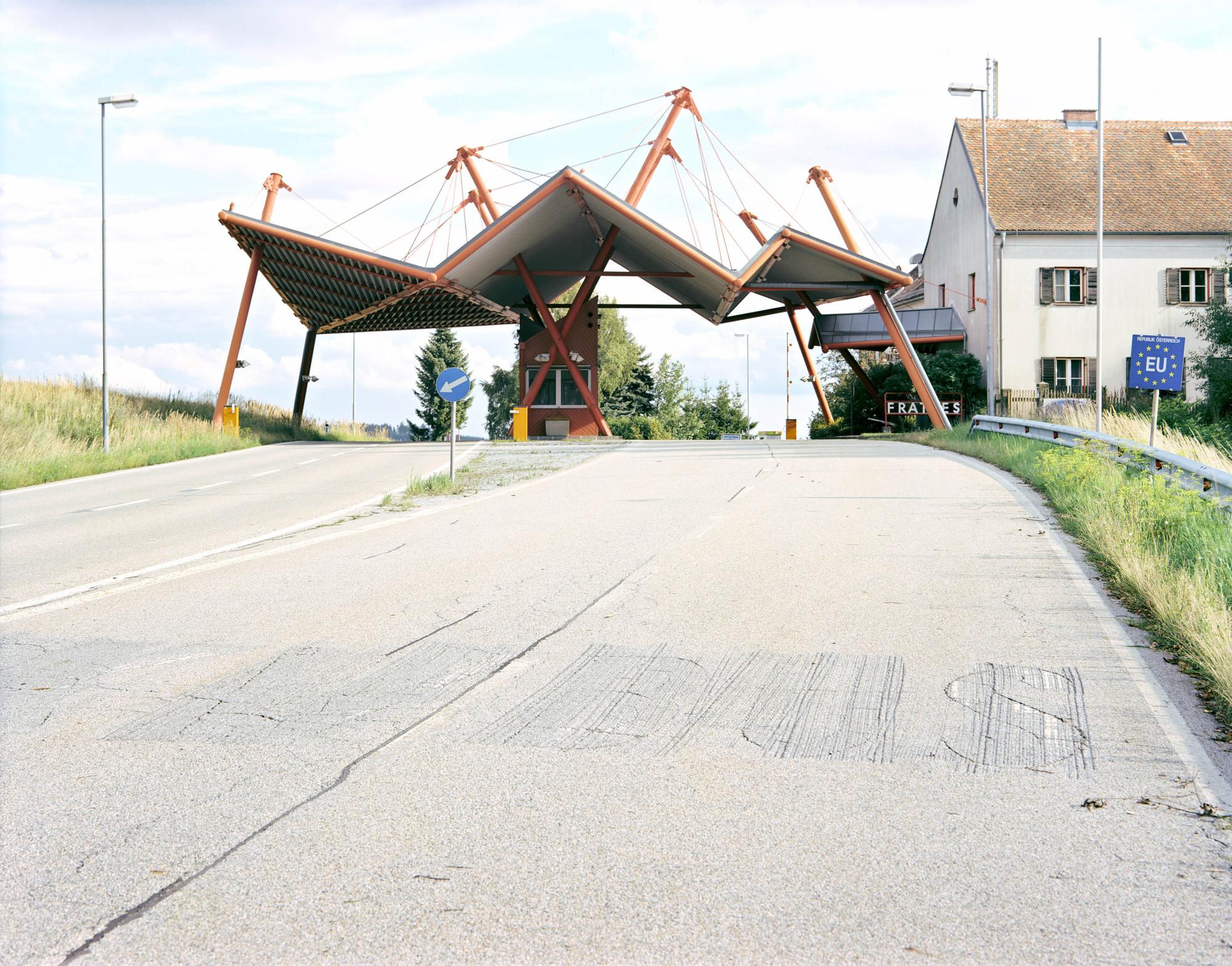 Built Reminders of a Former Time: Europe's Dissolved Border Crossings Photographed, Border: Austria / Czech Republic. Image © Ignacio Evangelista