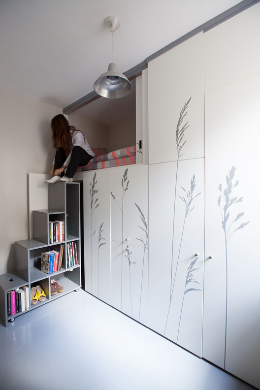 Tiny Apartment In Paris /  Kitoko Studio, © Fabienne Delafraye